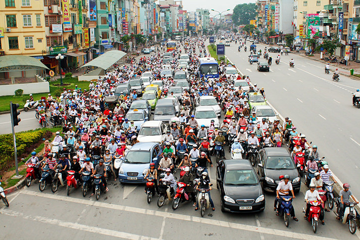2014-11-01-01-57-00SAIGON-TRAFFIC-JAM